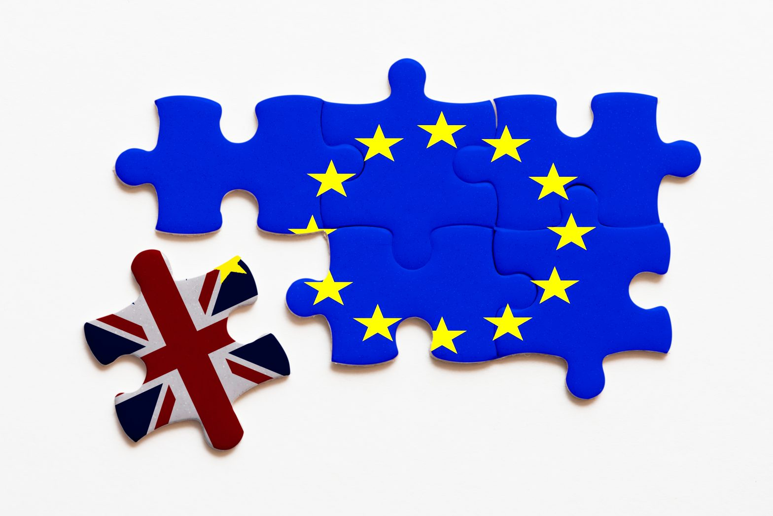 brexit jigsaw puzzle concept on white background Toni García CEO Millennial Inmobiliario